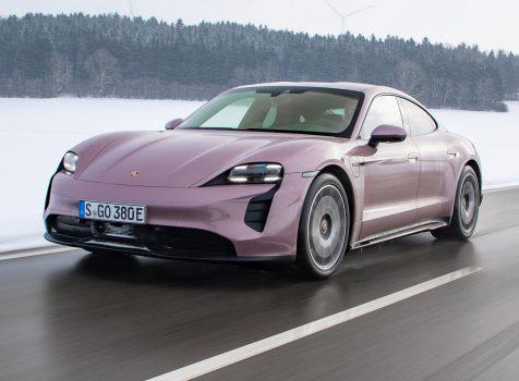 PORSCHE Taycan (© Porsche AG)