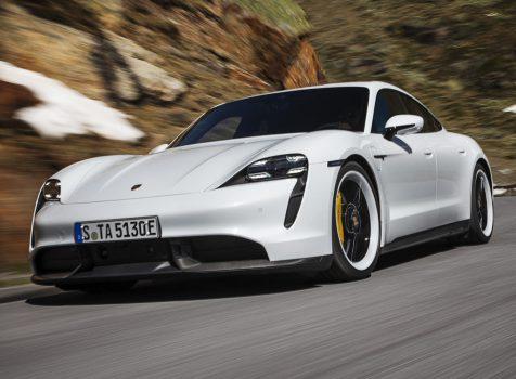 PORSCHE Taycan Turbo S (© Porsche AG)